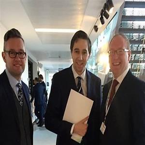 eHealth-Ireland-Health-Innovation-Showcase-HSE-CIO-Richard-Corbridge-Minister-for-Health-Simon-Harris-and-swiftQueue-CEO-Brendan-Casey